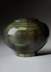 Peony Green Urn